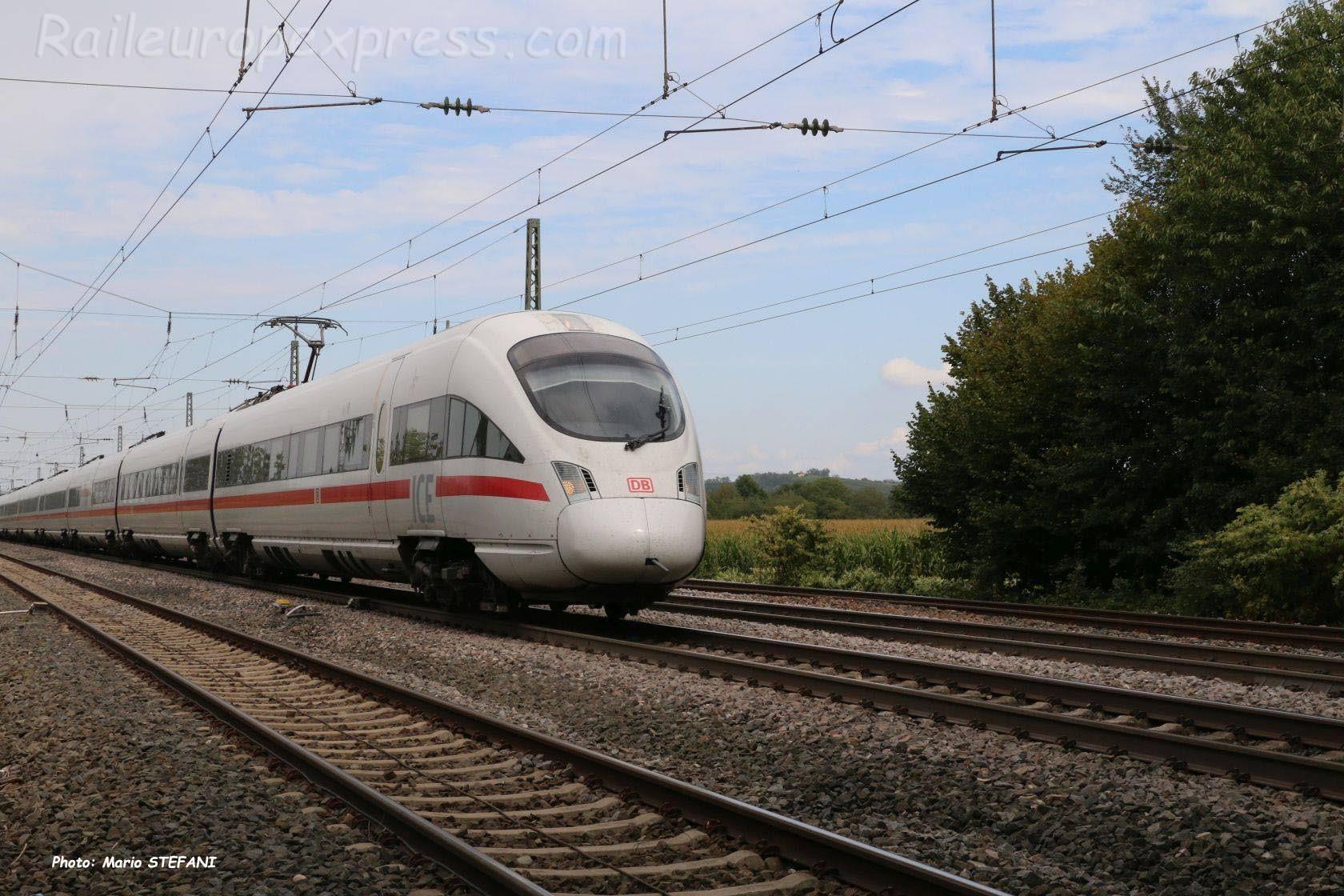 ICE DB à Müllheim (D)
