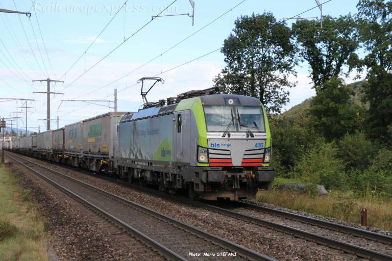Re 475 415 BLS à Rheinfelden Augarten 'CH)