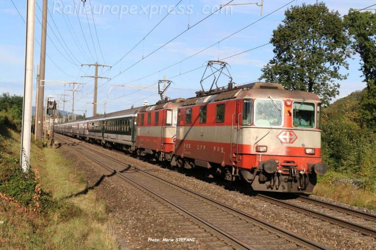 Re 4/4 II 11108 CFF à Rheinfelden (CH)