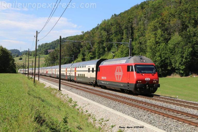 Re 460 108 CFF à Tecknau (CH)