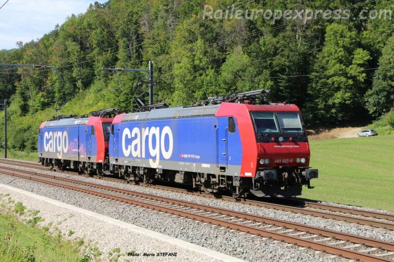 Re 482 027-0 CFF à Tecknau (CH)