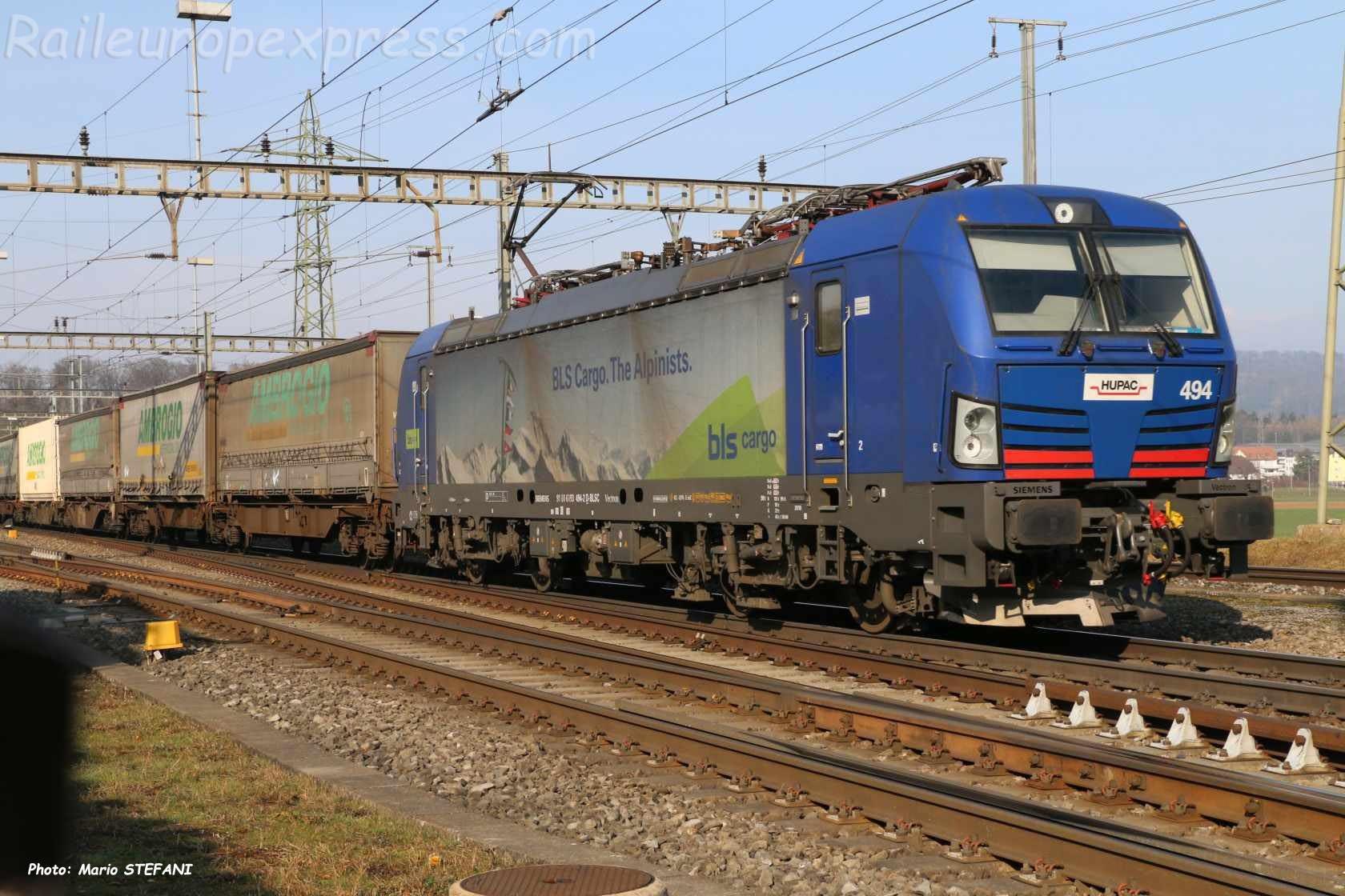 193 494-2 BLS à Henschiken (CH)