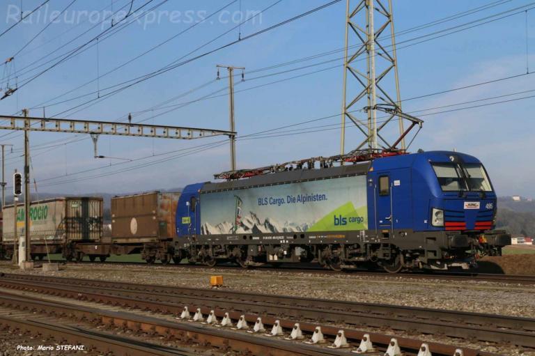 193 495-9 BLS à Hendschiken (CH)