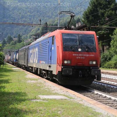 Re 474 013 CFF à Varzo (I)