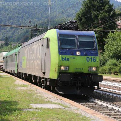 Re 485 016-0 BLS à Varzo (I)