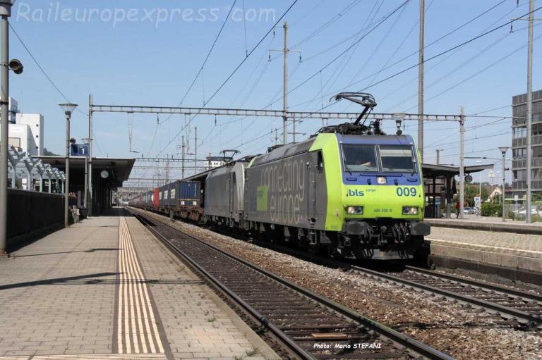 Re 485 009-5 BLS à Pratteln (CH)