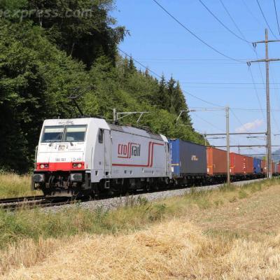186 901 Crossrail à Eiken (CH)