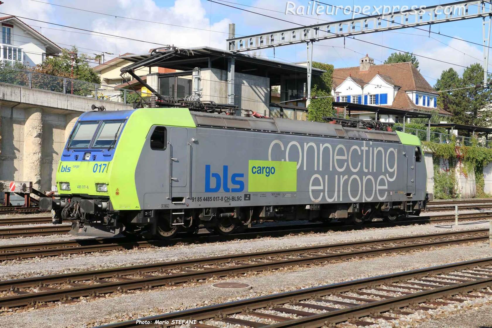 Re 485 017-8 à Spiez (CH)