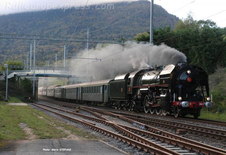 141 R 1044 SNCF à Boudry (CH)