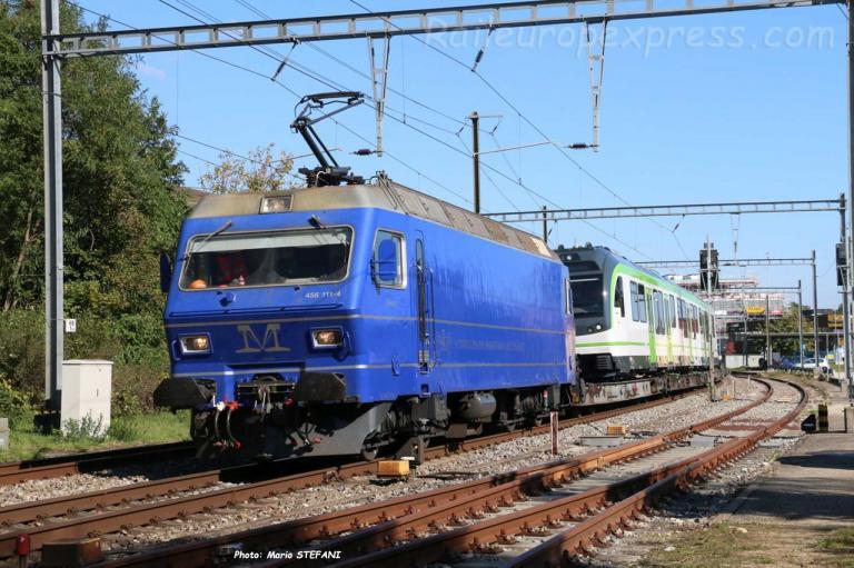 Re 456 111-4 M à Boudry (CH)