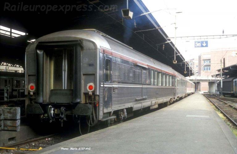 A4Dtuxj SNCF TEE à Basel (CH)