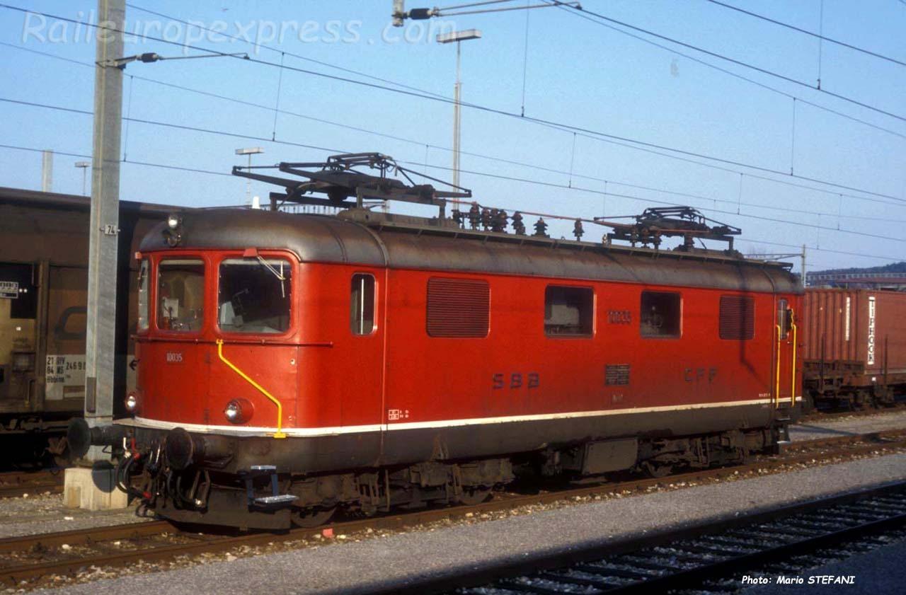 Re 4/4 I 10035 CFF à Yverdon (CH)
