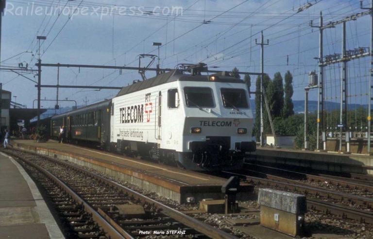 Re 446 448-3 SOB à Wädenswil (CH)