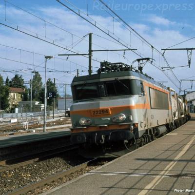 BB 22294 SNCF à Orange (F-84)