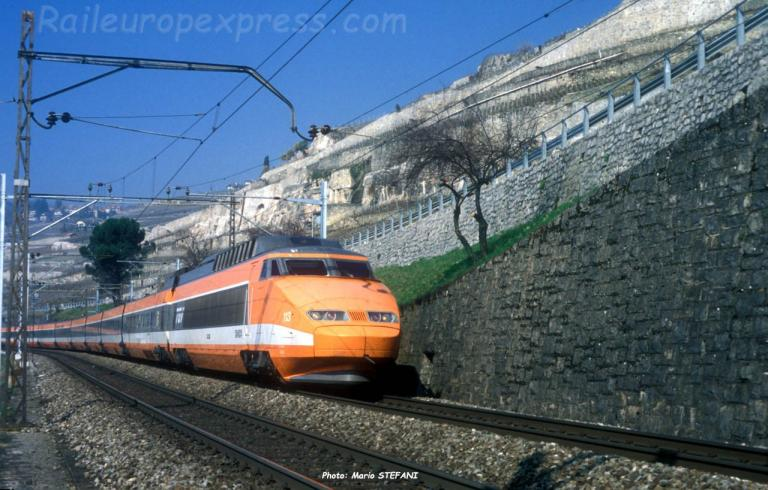 TGV SNCF à Saint Saphorin (CH)