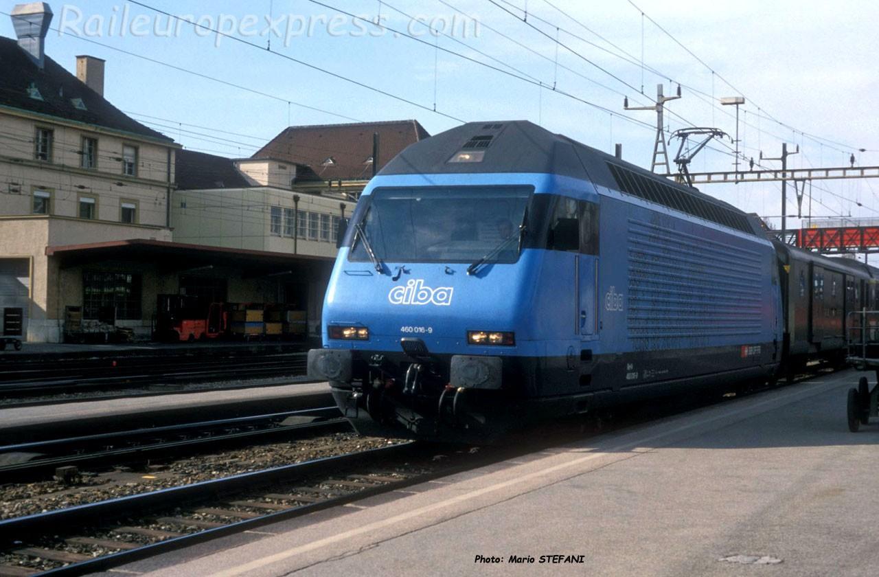 Re 460 016-9 CFF à Neuchâtel (CH)
