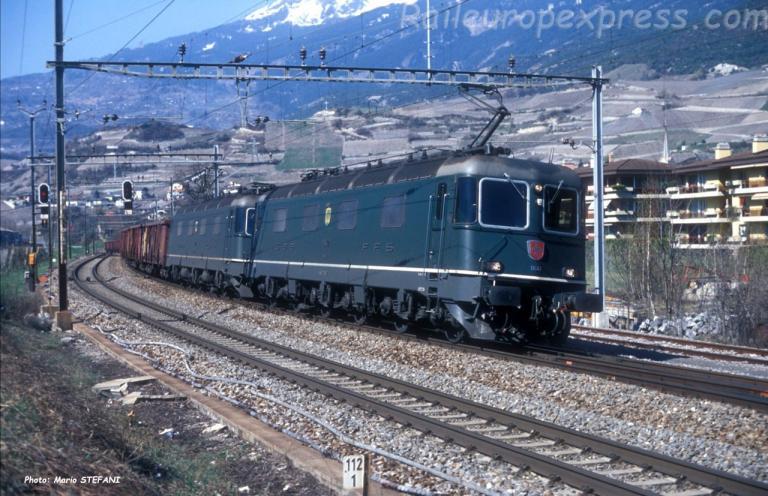 Re 6/6 11642 CFF à Salquenen (CH)