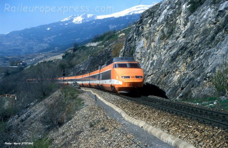 TGV SNCF à Salgesch (CH)