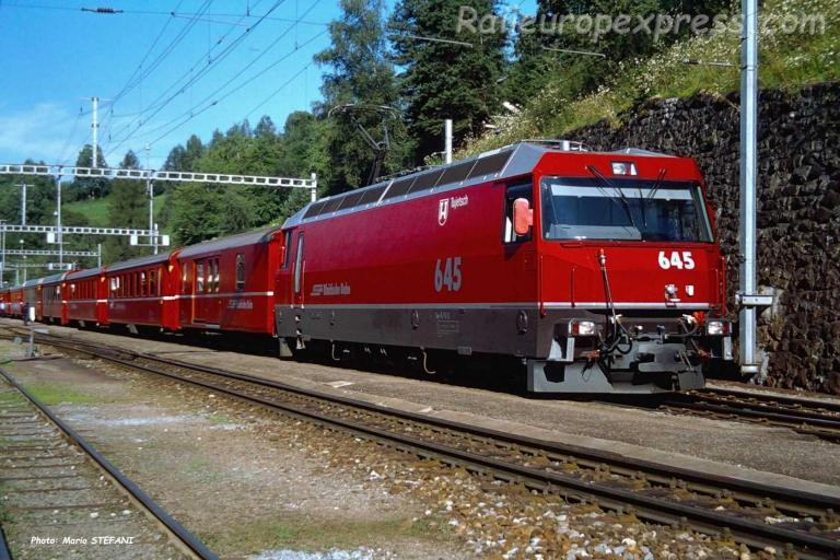 Ge 4/4 III 645 RhB à Filisur (CH)