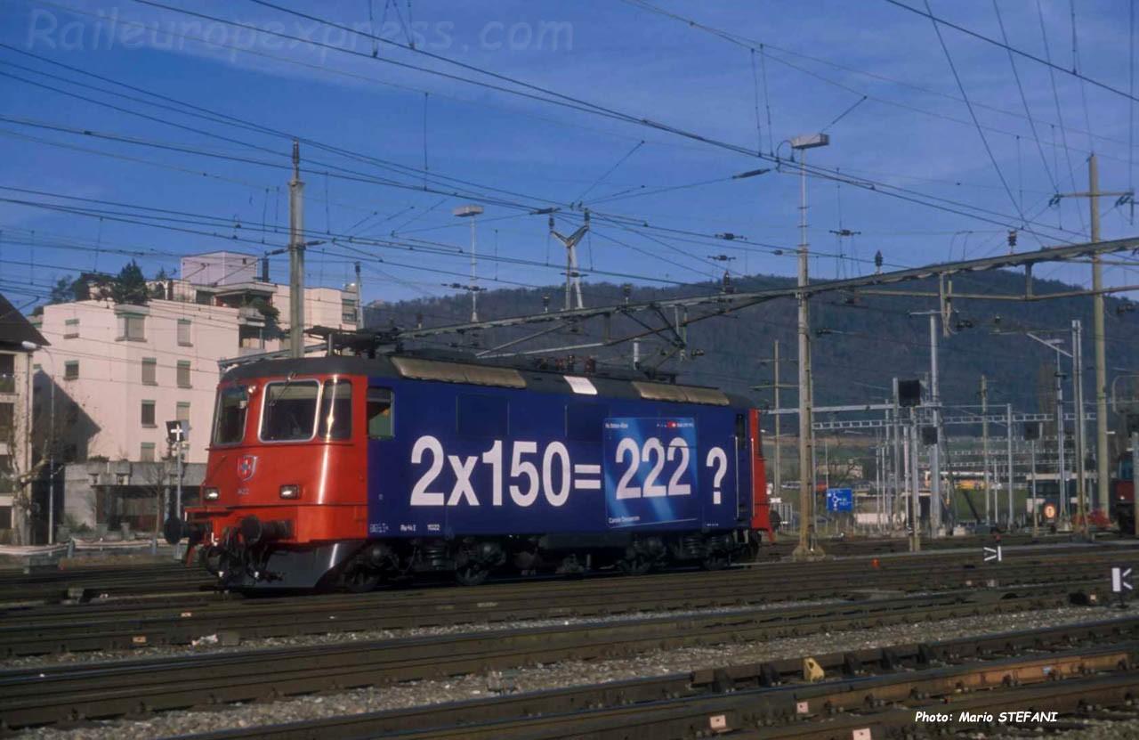 Re 4/4 II 11322 CFF à Delémont (CH)