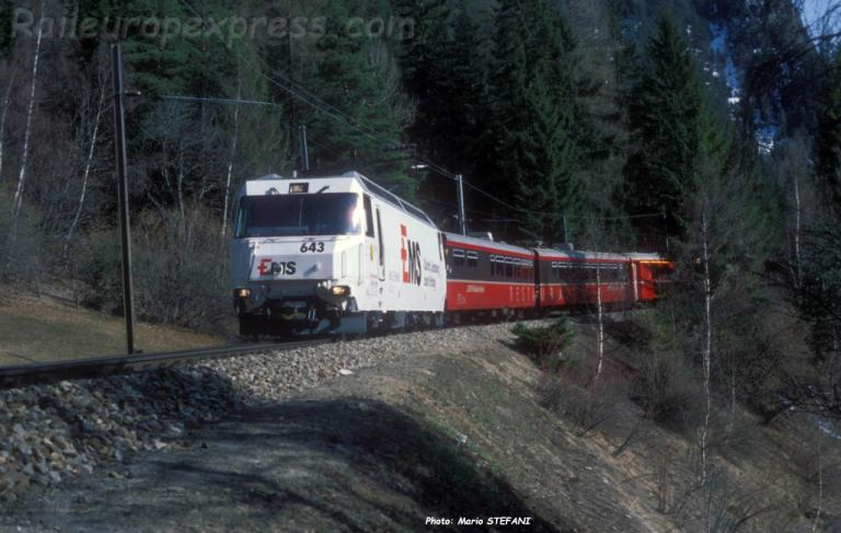 Ge 4/4 III 633 RhB à Filisur (CH)