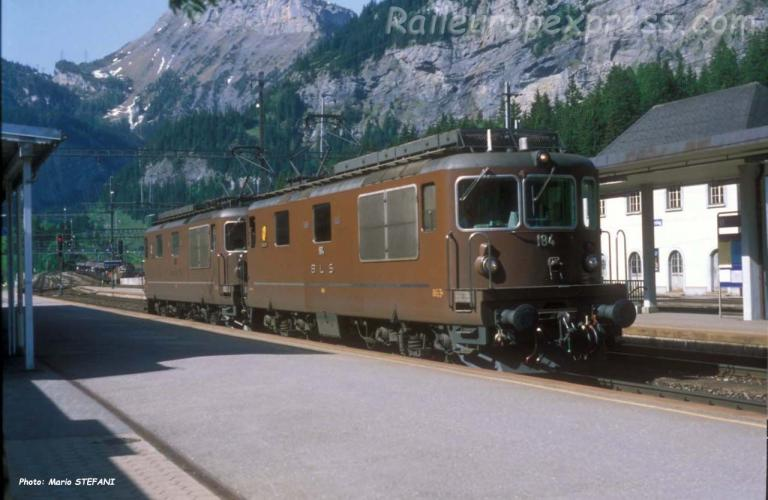 Re 4/4 184 BLS à Kandersteg (CH)