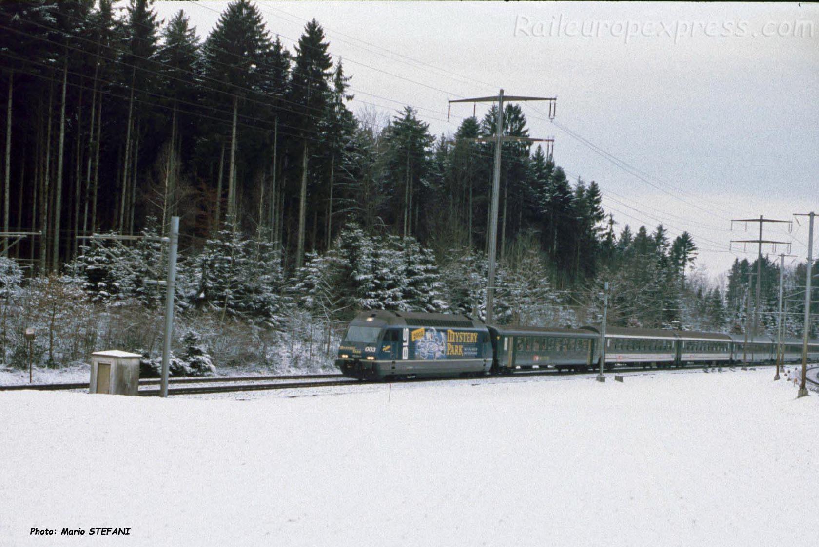 Re 465 BLS à Gümligen (CH)
