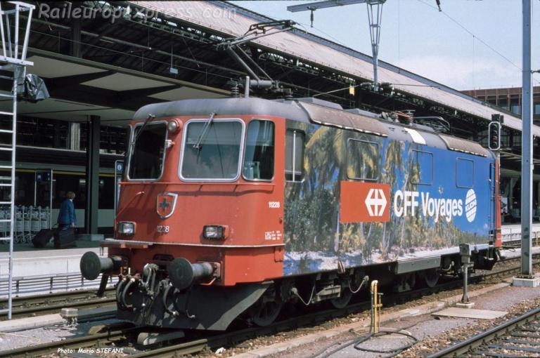 Re 4/4 II 11228 CFF à Basel (CH)