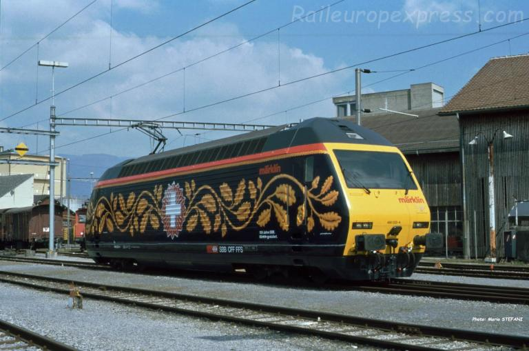 RE 460 033-4 CFF à Yverdon (CH)