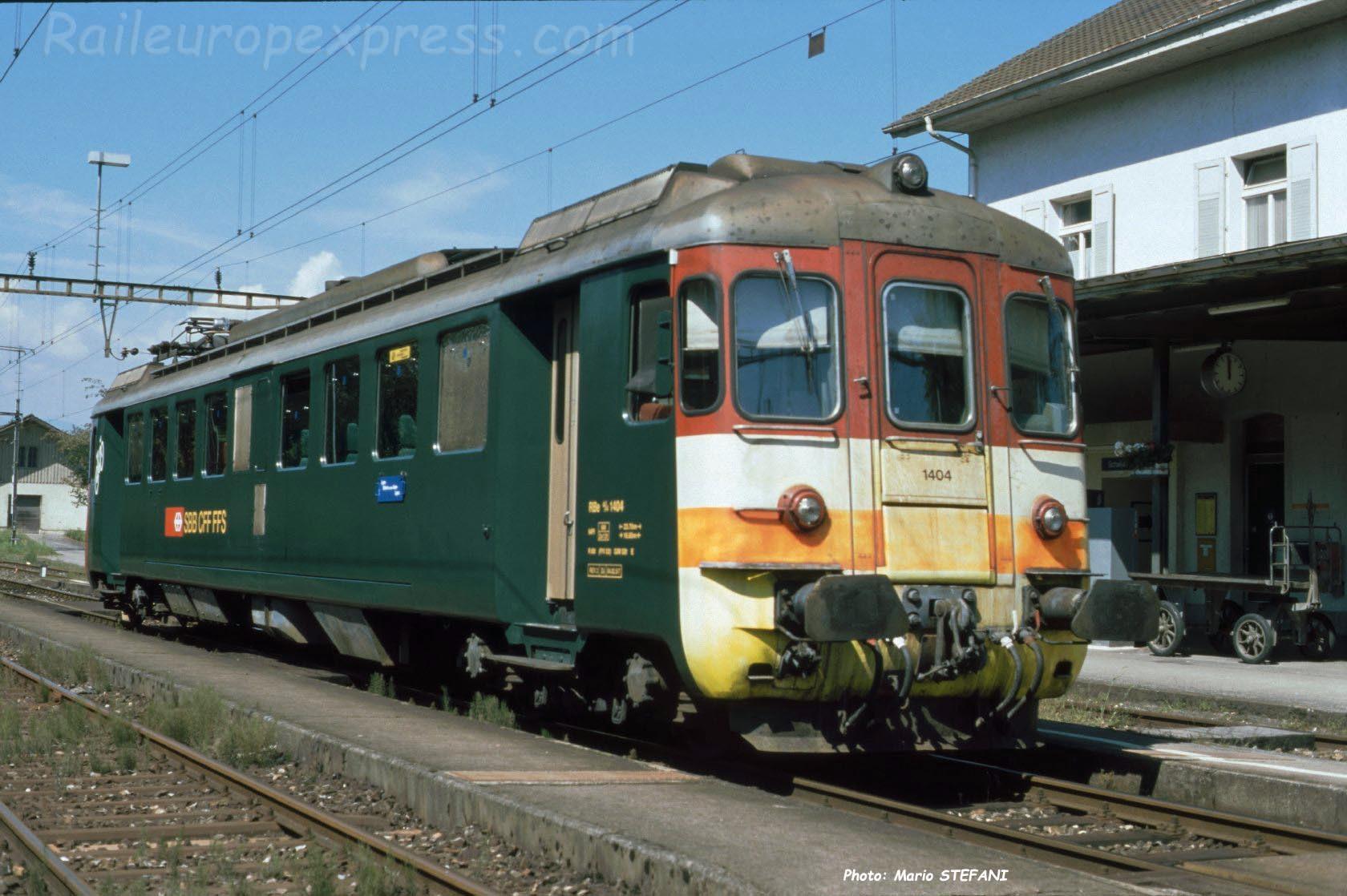 RBe 4/4 1404 CFF à Büren an der Aare (CH)