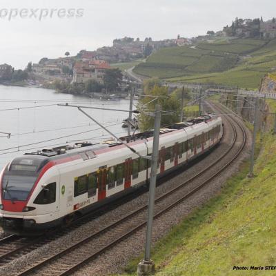 RABe 521 CFF à Saint Saphorin (CH)