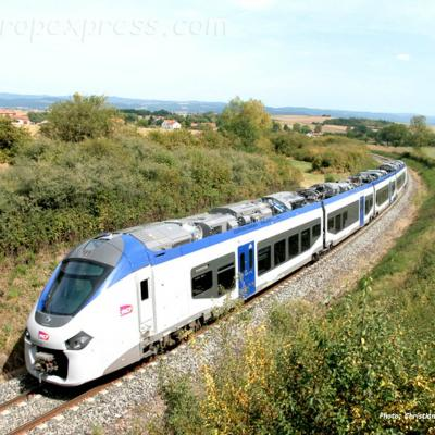 Rame Régiolis SNCF près d'Arvant (F-43)