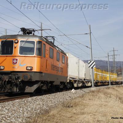 Re 4/4 II 11320 CFF à Boudry