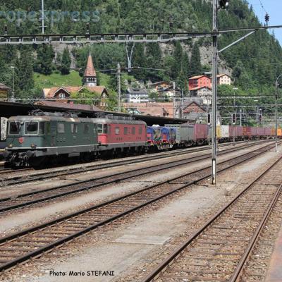 Re 4/4 II 11330 CFF à Göschenen (CH)