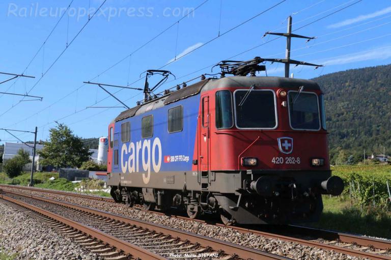 Re 420 262-8 CFF à Boudry (CH)