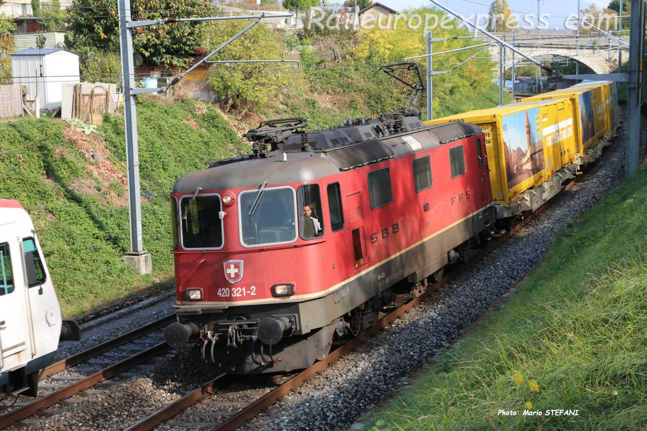 Re 420 321-2 CFF à Boudry Planeyse  (CH)
