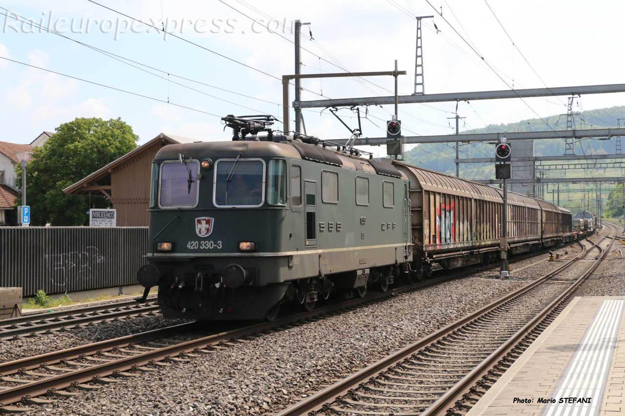 Re 420 330-3 CFF à Sissach (CH)