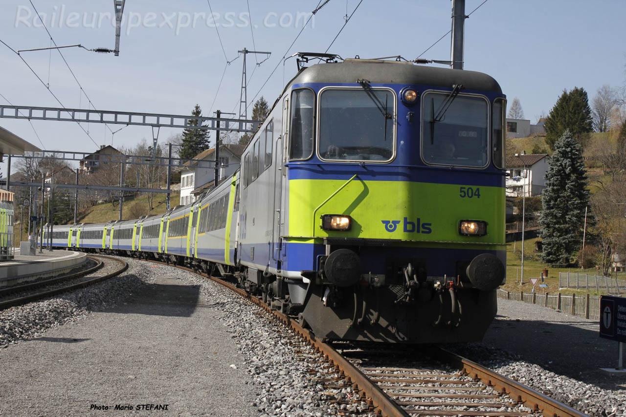 Re 420 504 BLS à Travers (CH)