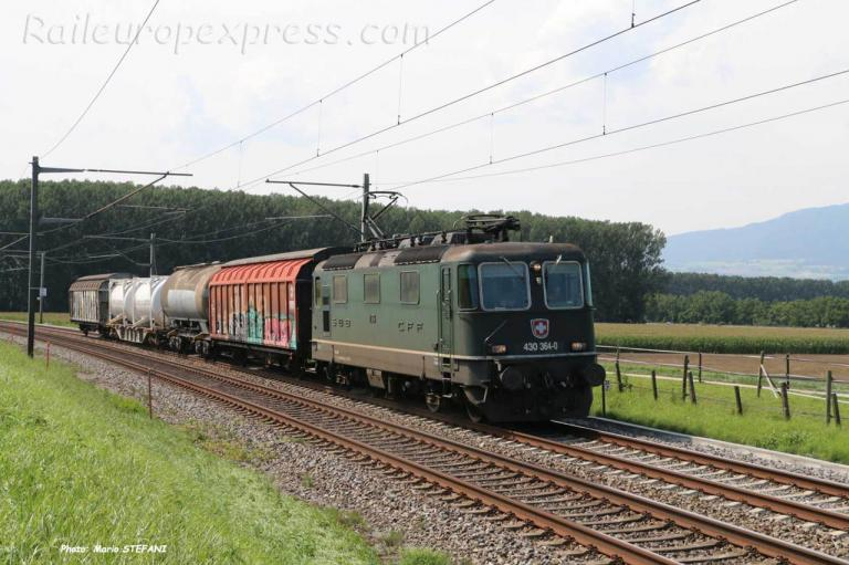 Re 430 364-0 CFF à Eclépens (CH)