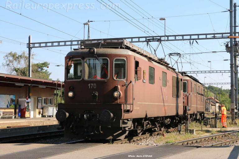 Re 4/4 170 BLS à Gerlafingen (CH)