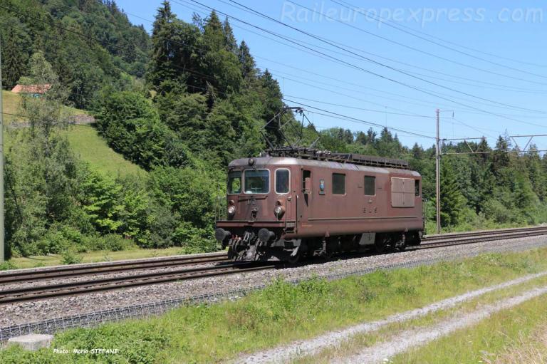 Re 4/4 172 BLS à Mülenen (CH)