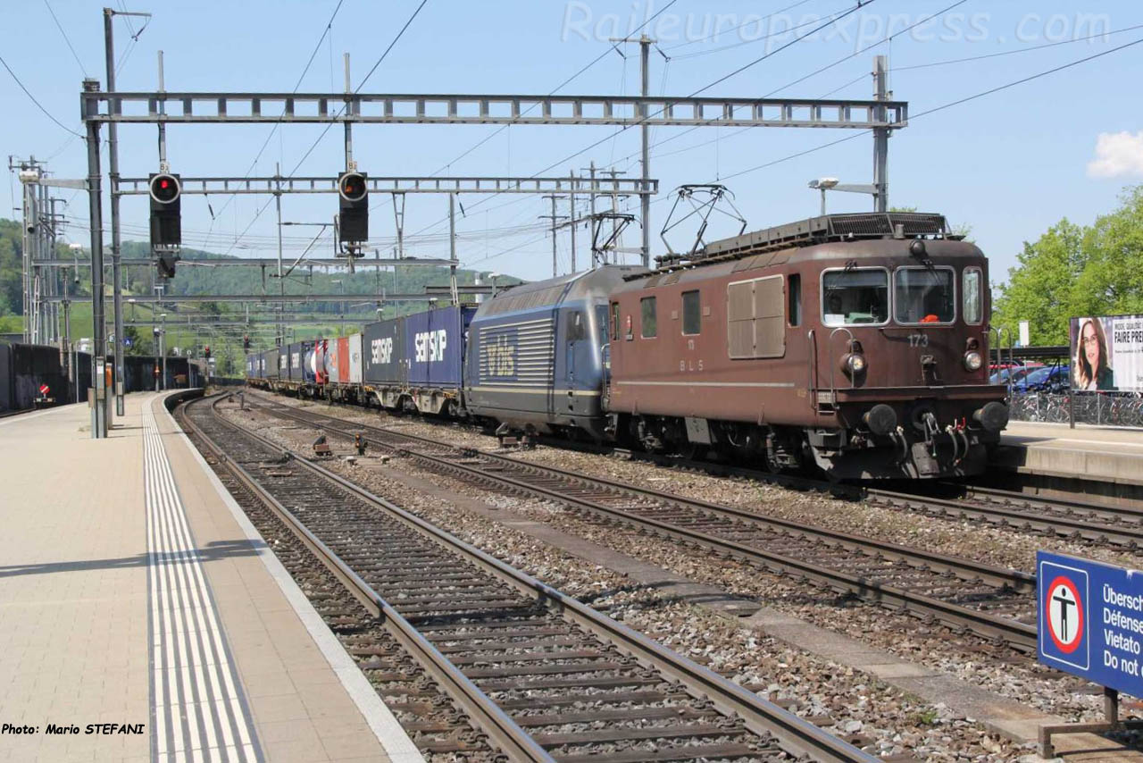 Re 4/4 173 BLS à Liestal (CH)