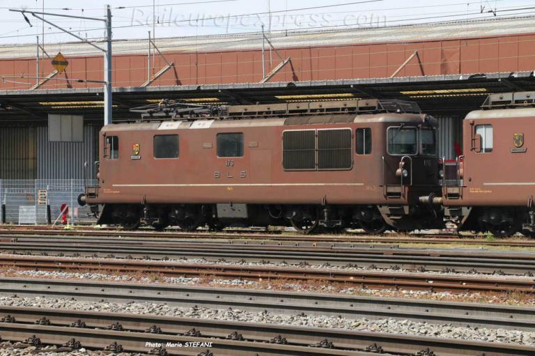 Re 4/4 176 BLS à Pratteln (CH)