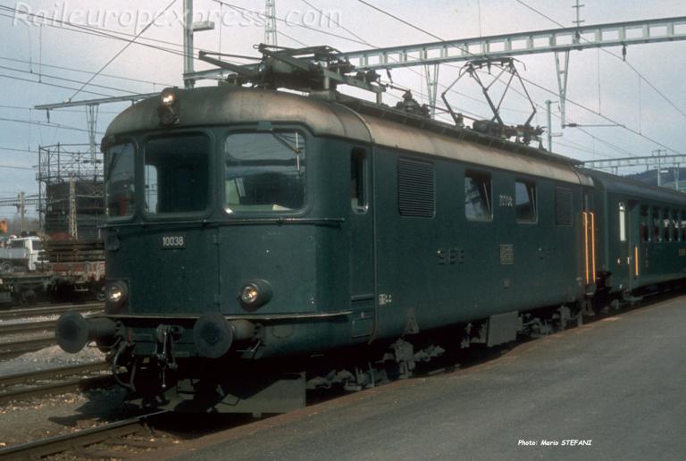 Re 4/4 I 10038 CFF à Yverdon (CH)
