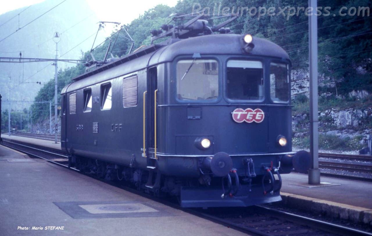 Re 4/4 I 10042 CFF à Chambrelien (CH)