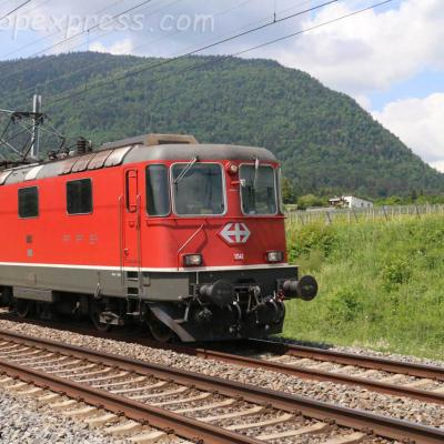 Re 4/4 II 11141 CFF à Boudry (CH)