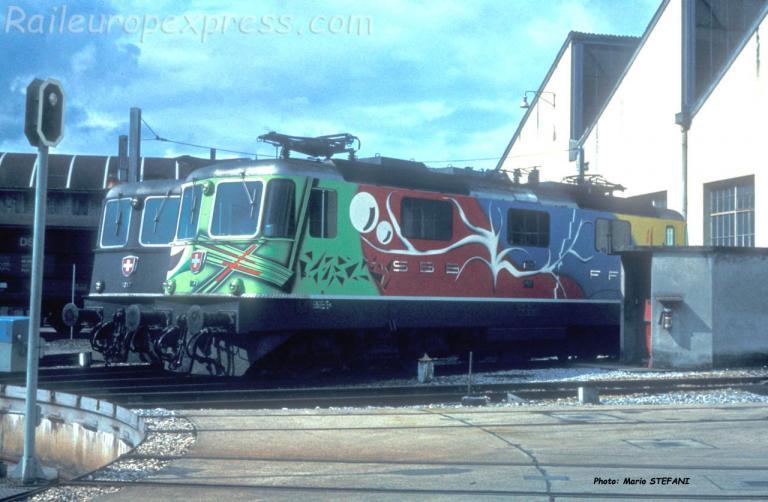 Re 4/4 II 11181 CFF à Yverdon (CH)