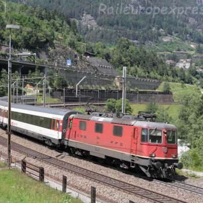Re 4/4 II 11200 CFF à Wassen (CH)