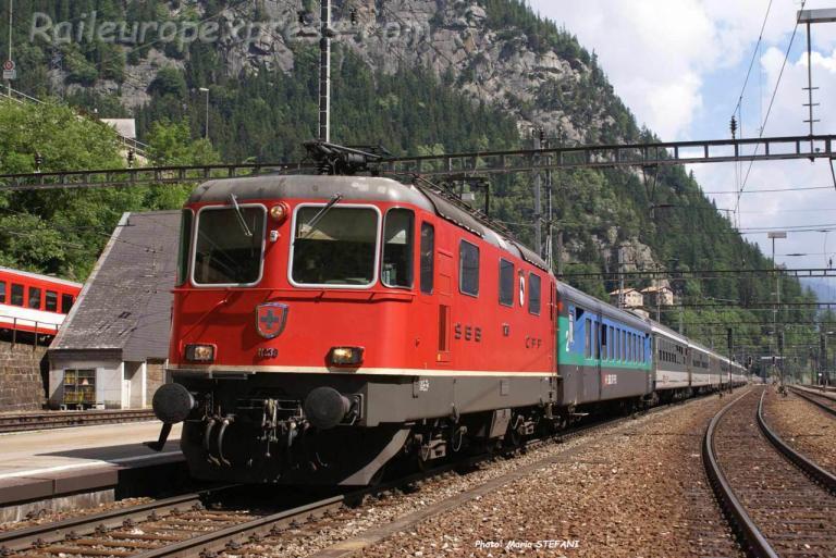 Re 4/4 II 11239 CFF à Göschenen (CH)