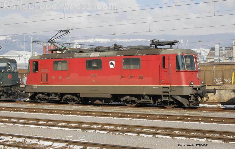 Re 4/4 II 11239 CFF à Yverdon (CH)
